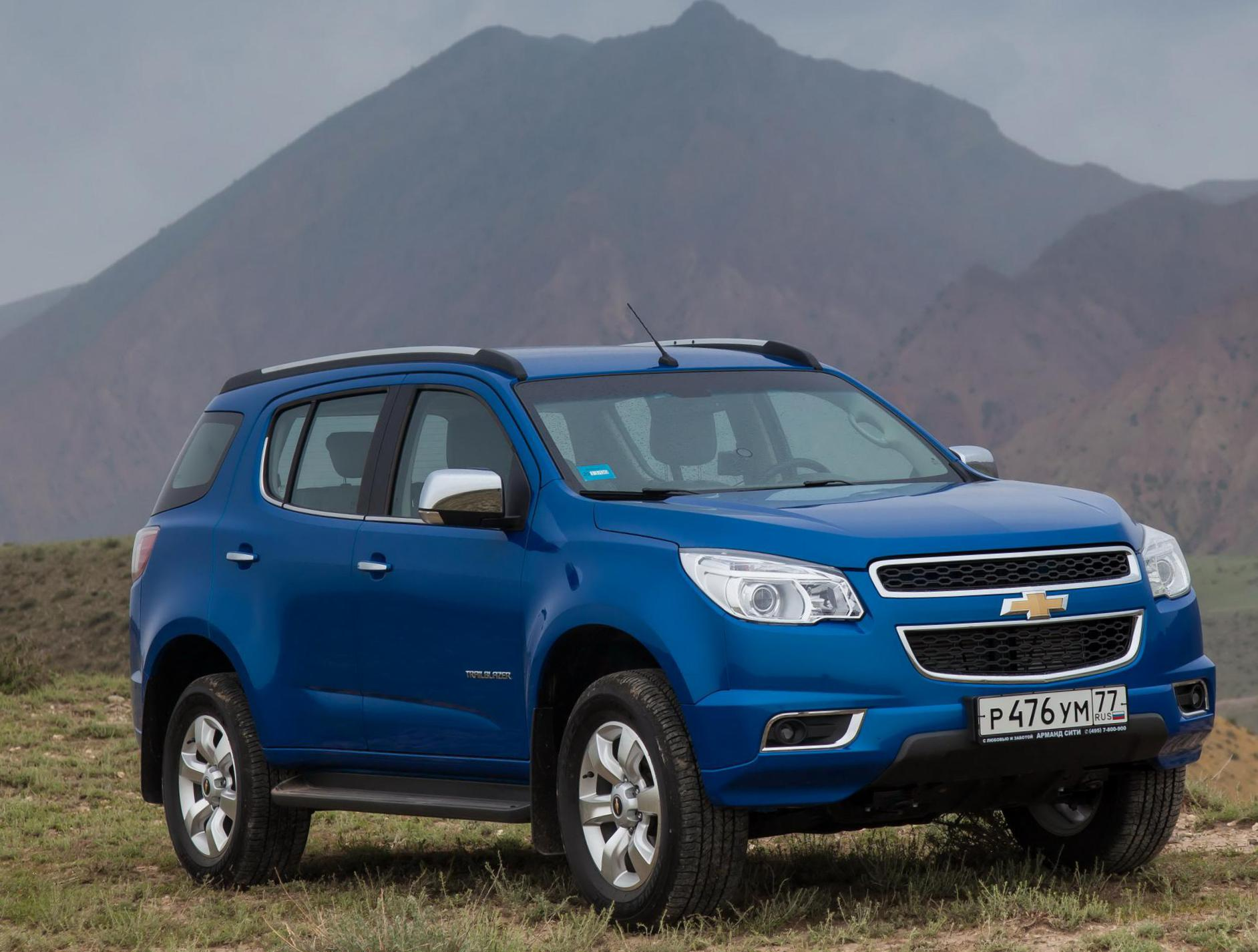 Chevrolet Trailblazer model sedan
