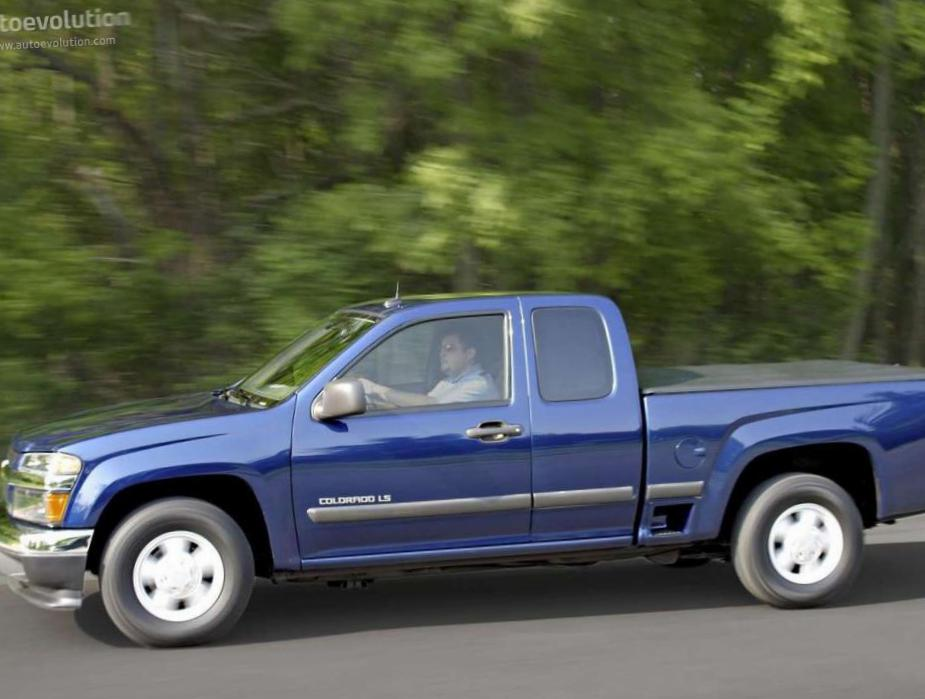 Chevrolet Colorado Extended Cab configuration pickup