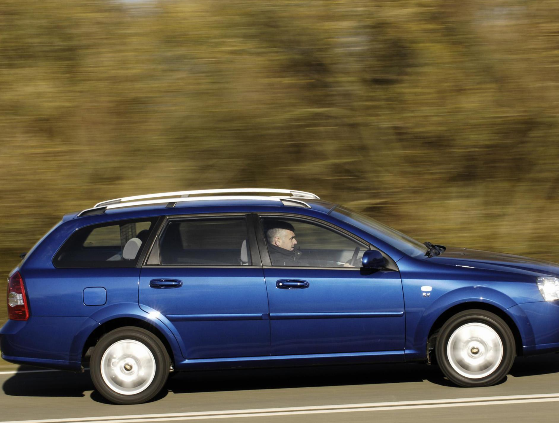 Lacetti Wagon Chevrolet reviews minivan