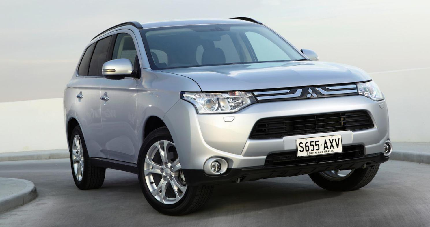 Mitsubishi Outlander Specifications sedan
