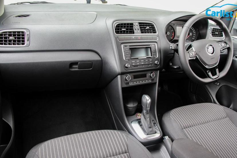 Volkswagen Polo Sedan review 2006