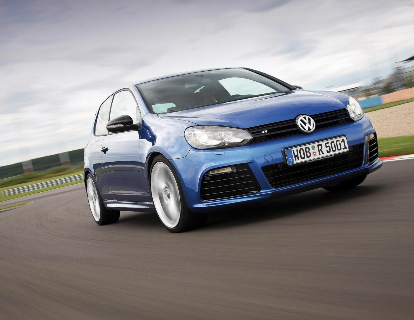 Golf R 3 doors Volkswagen review hatchback