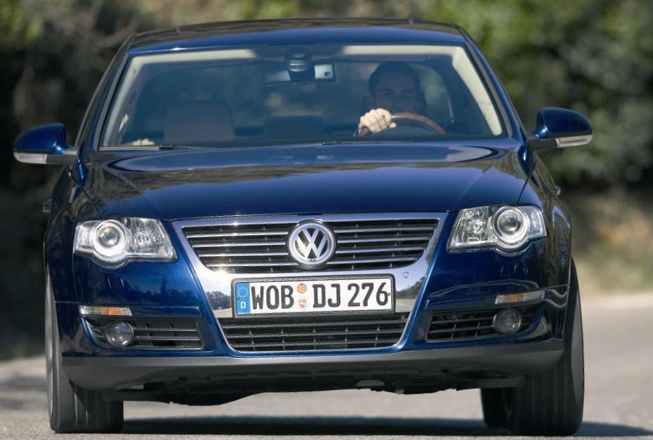 Volkswagen Passat Specification sedan