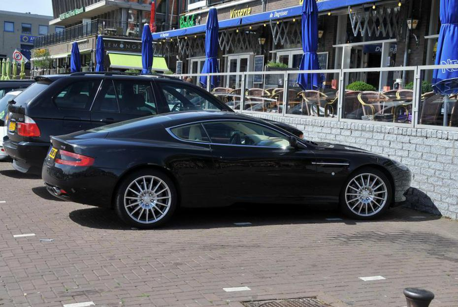 aston martin db9 photos and specs photo db9 aston martin for sale. Black Bedroom Furniture Sets. Home Design Ideas