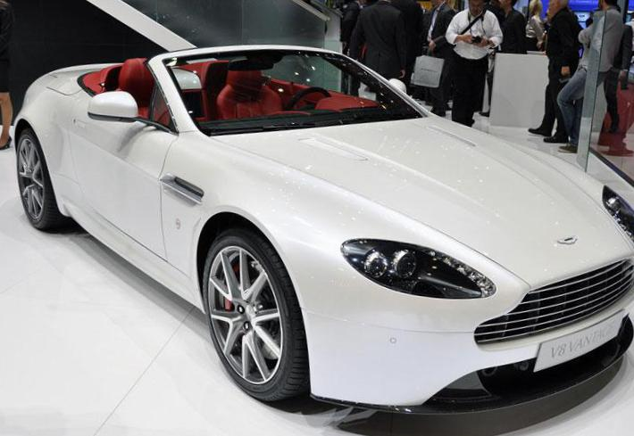 Aston Martin Vantage Roadster how mach sedan
