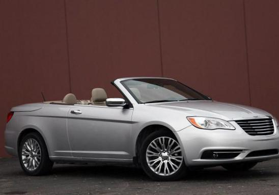 Chrysler 200 Convertible auto hatchback