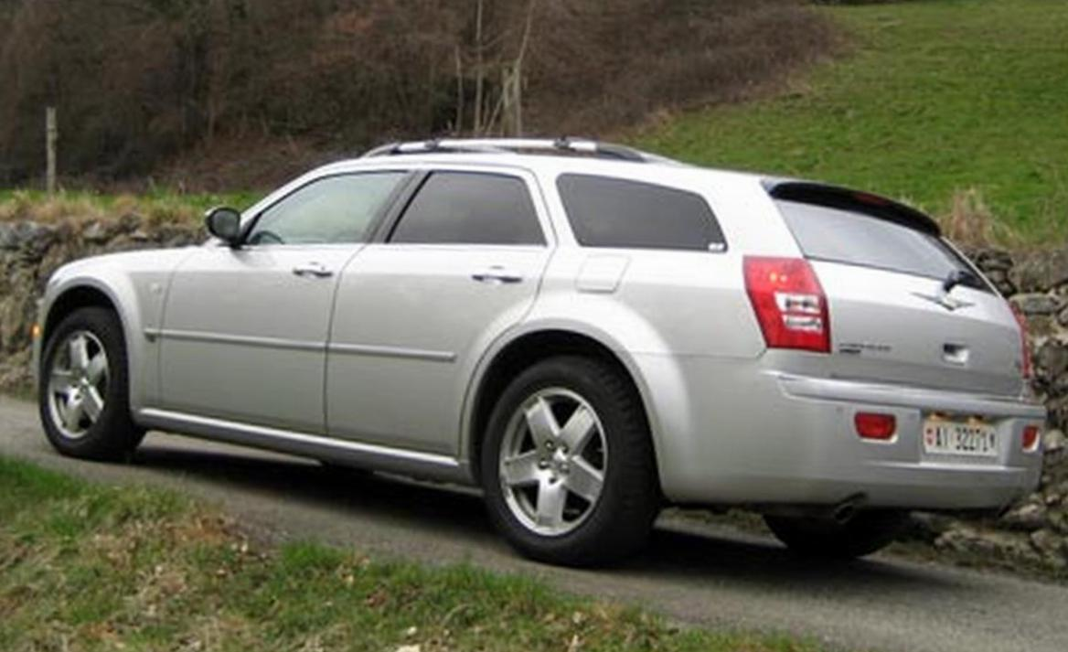 300C  TOURING Chrysler price 2011