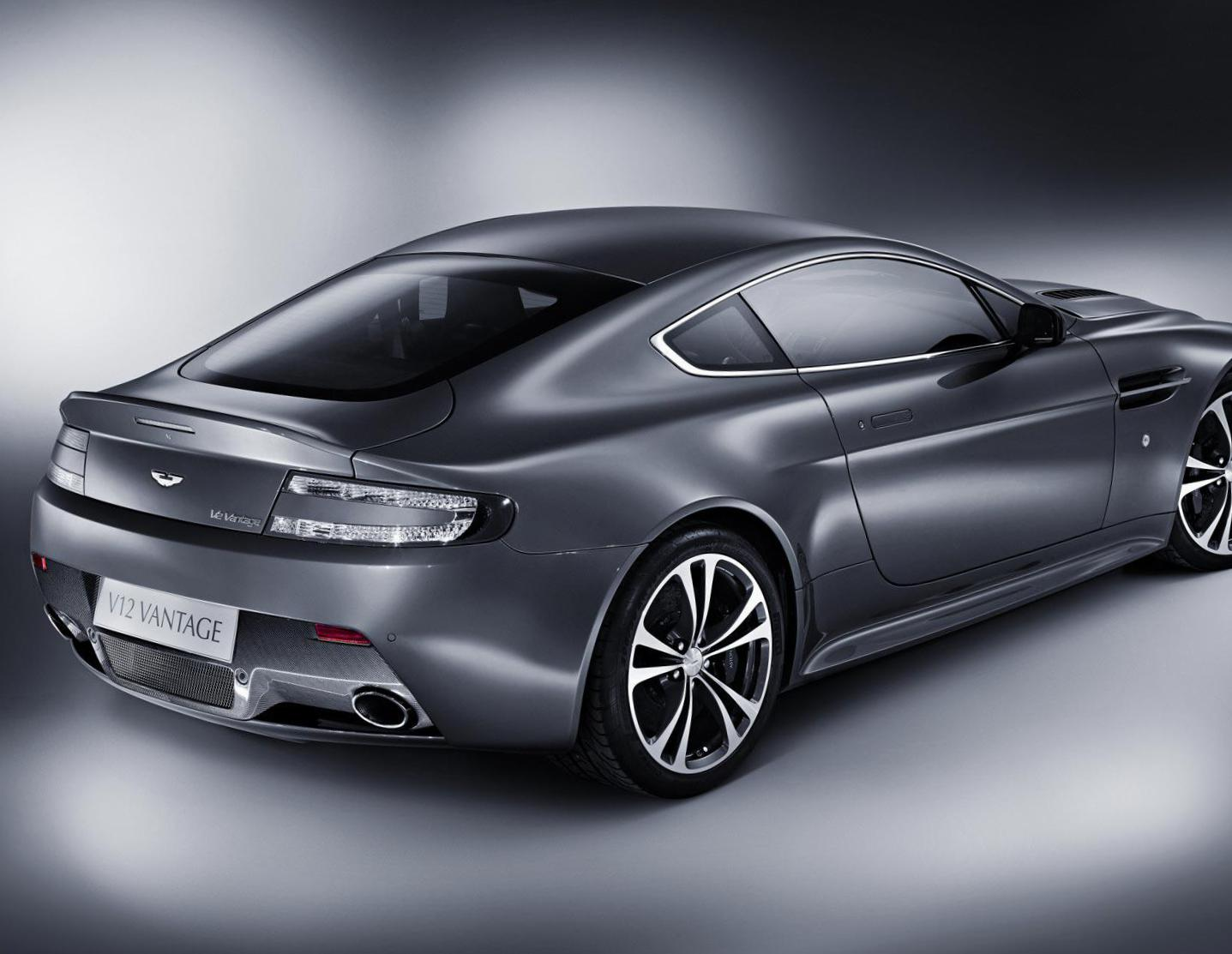 Aston Martin Vantage review 2009