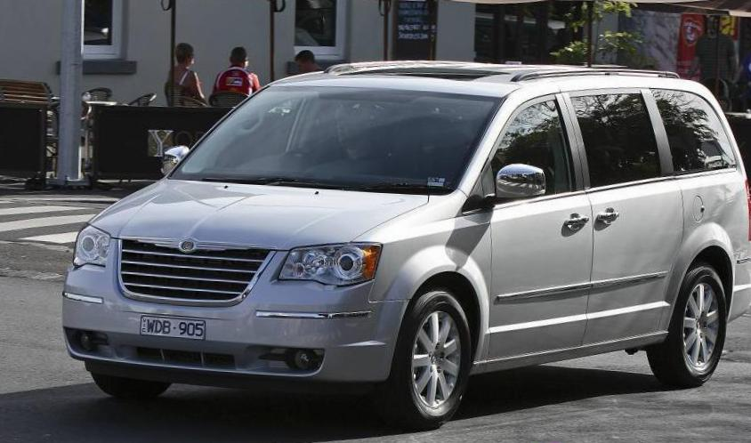Chrysler Grand Voyager models sedan