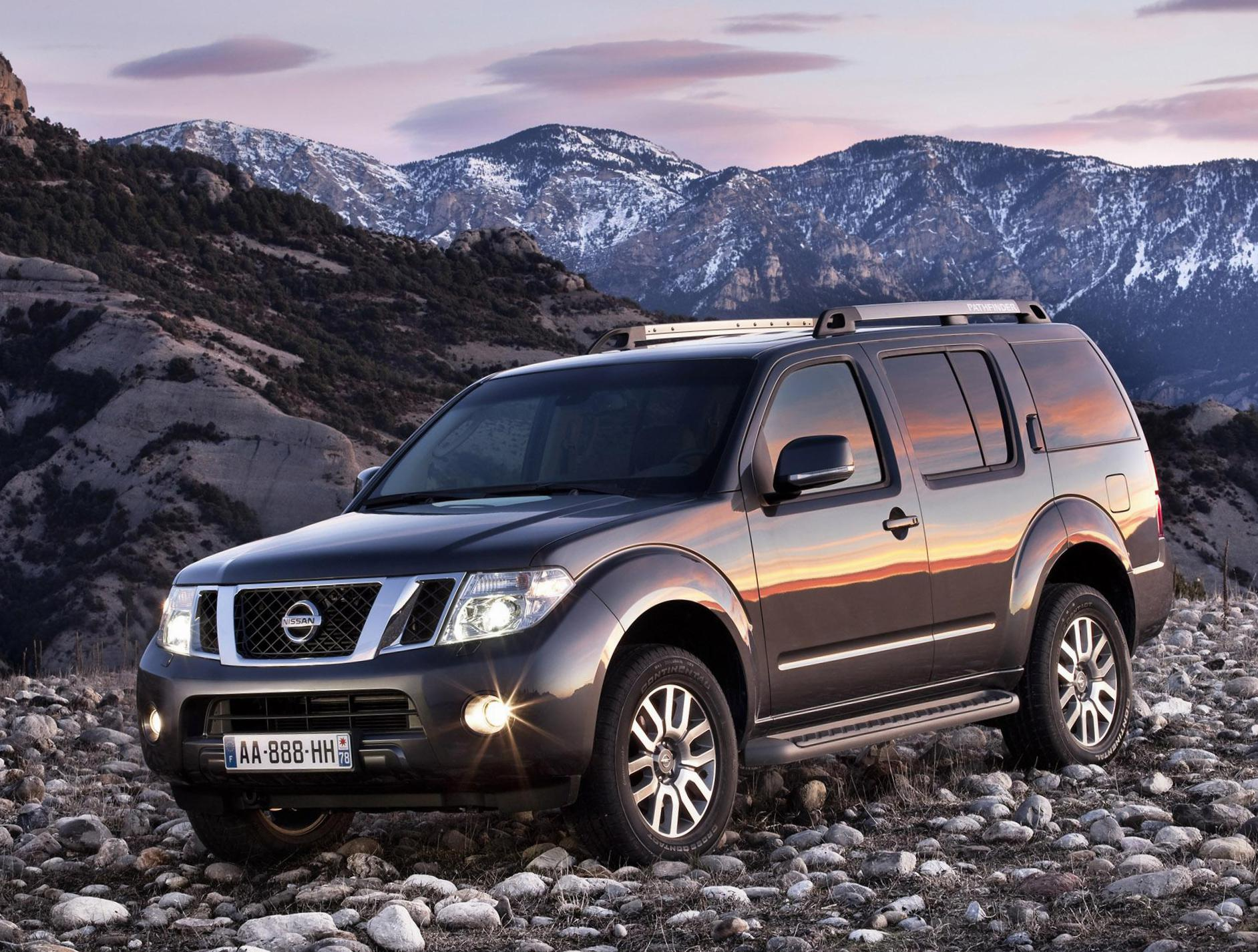 Nissan Pathfinder Models 2014