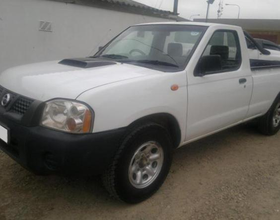Nissan NP300 Single Cab specs 2004