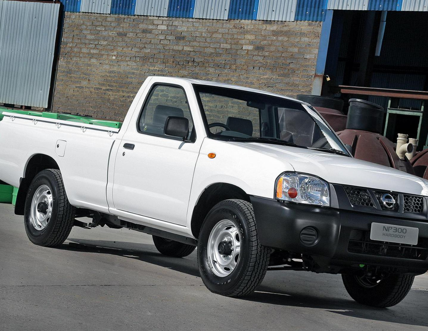 Nissan NP300 Single Cab usa sedan