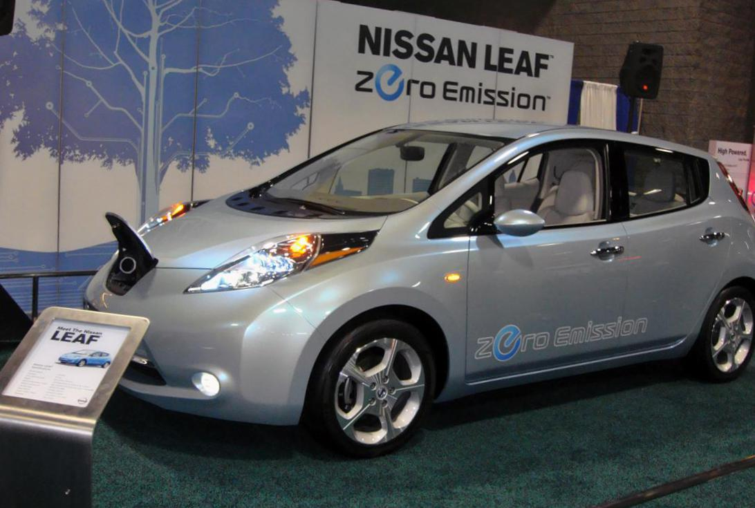 Leaf Nissan new 2010