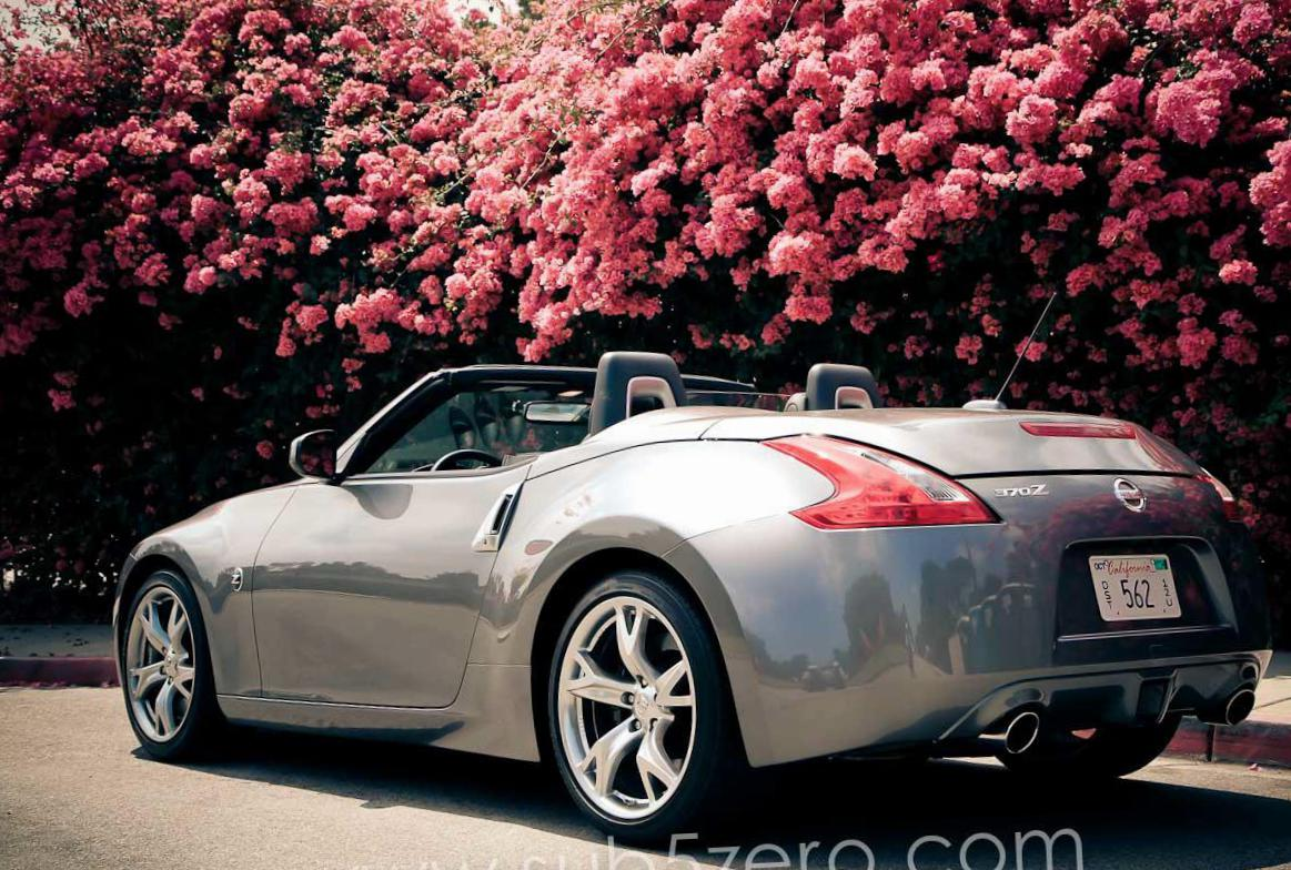 370Z Roadster Nissan configuration 2011
