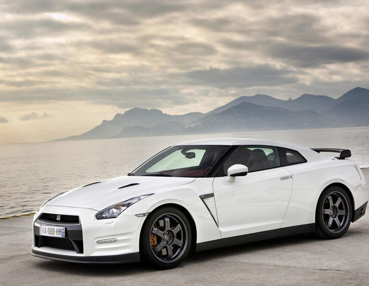 GT-R Nissan used 2014