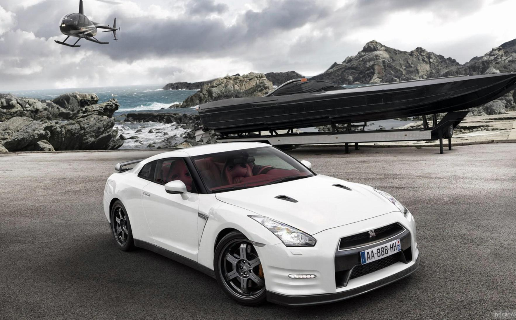 Nissan GT-R reviews 2014