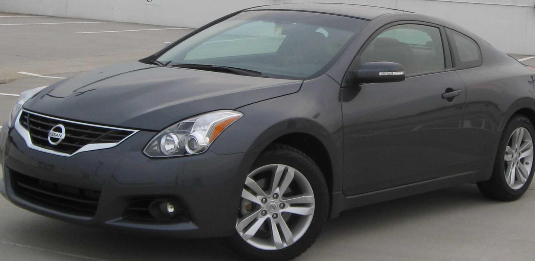 Altima Nissan price 2010