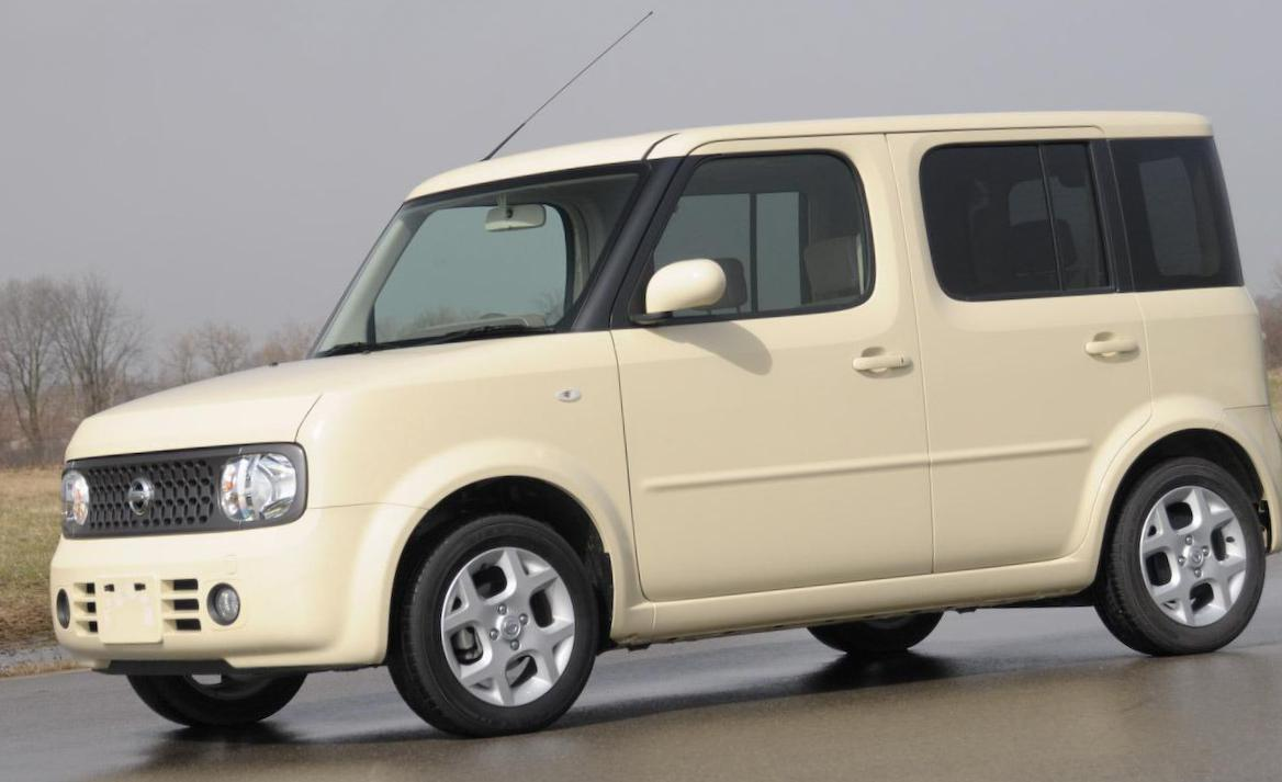 Nissan Cube review hatchback