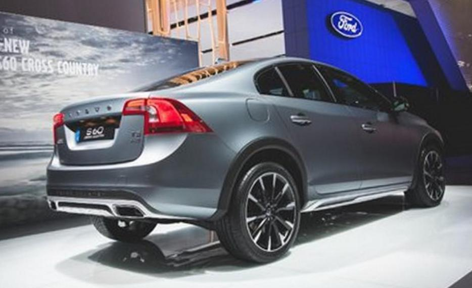 Volvo S60 Cross Country models 2013