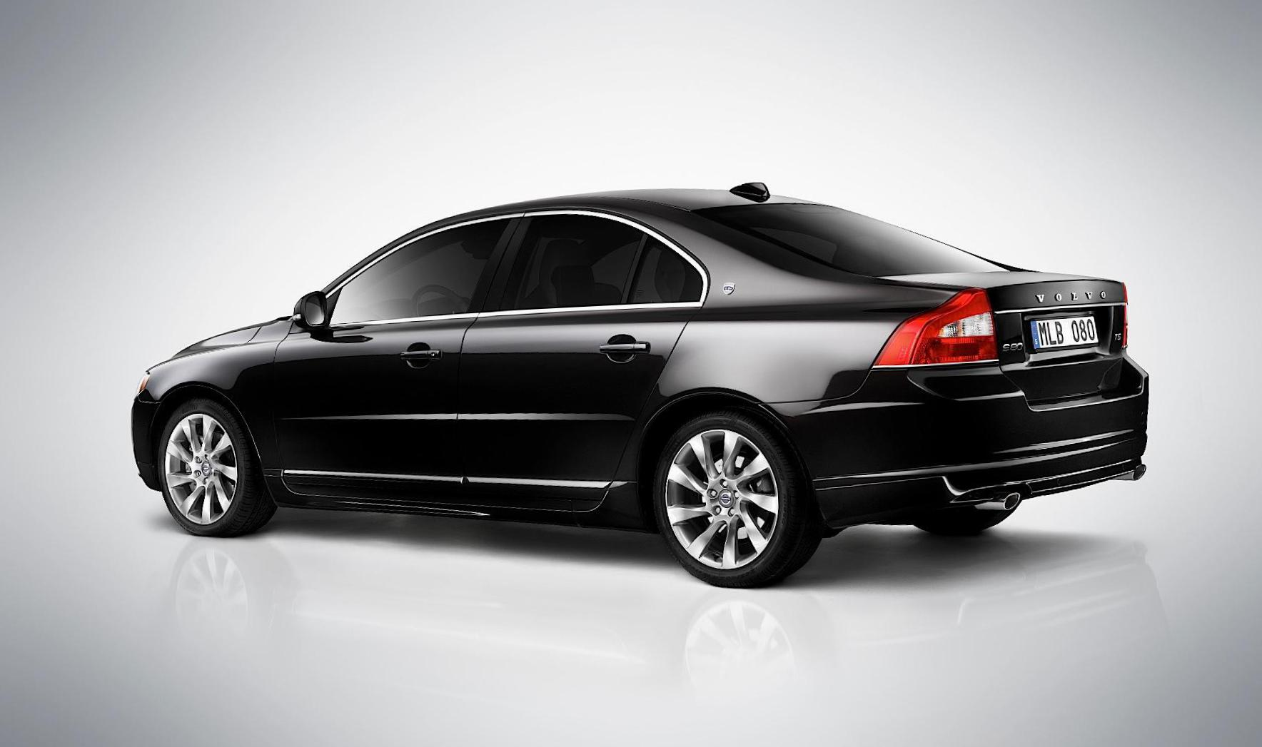 Volvo S80 Specifications 2004