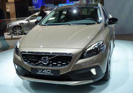 Volvo V40 Cross Country Specification 2010