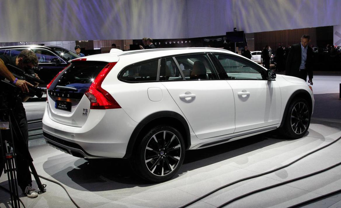 Volvo V60 Cross Country lease 2010