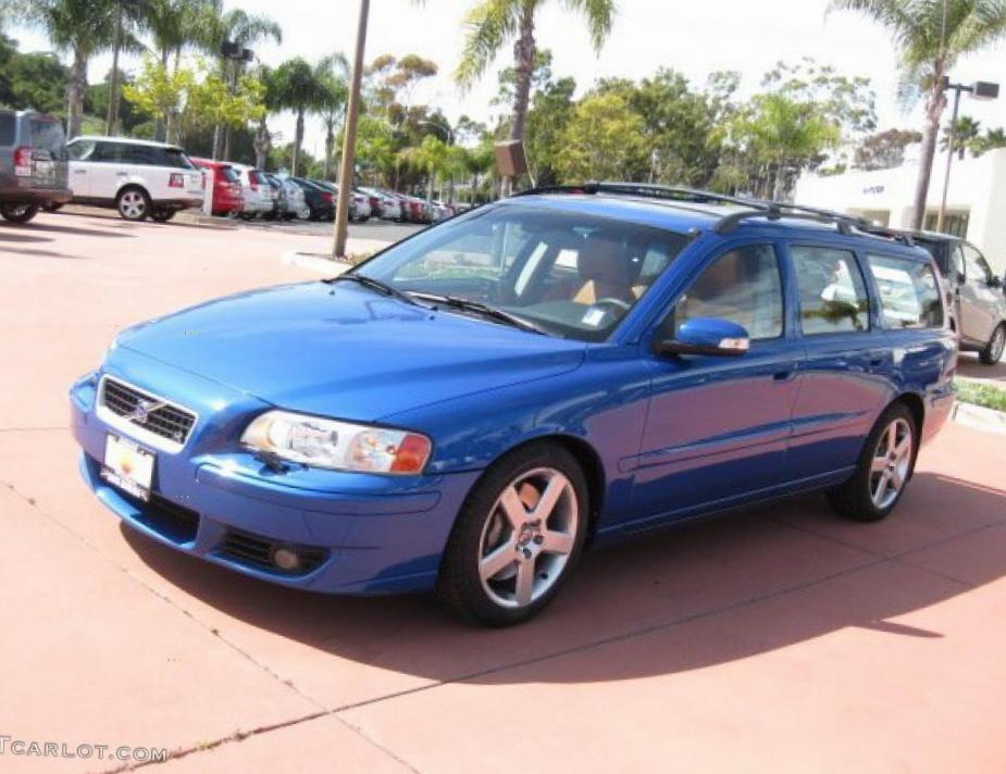 Volvo V70 lease wagon