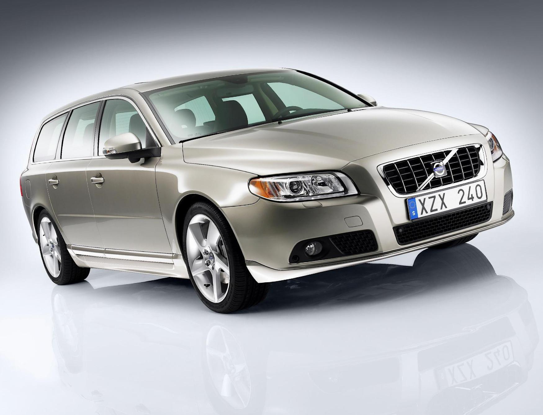 Volvo V70 review suv