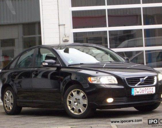 S40 Volvo models hatchback