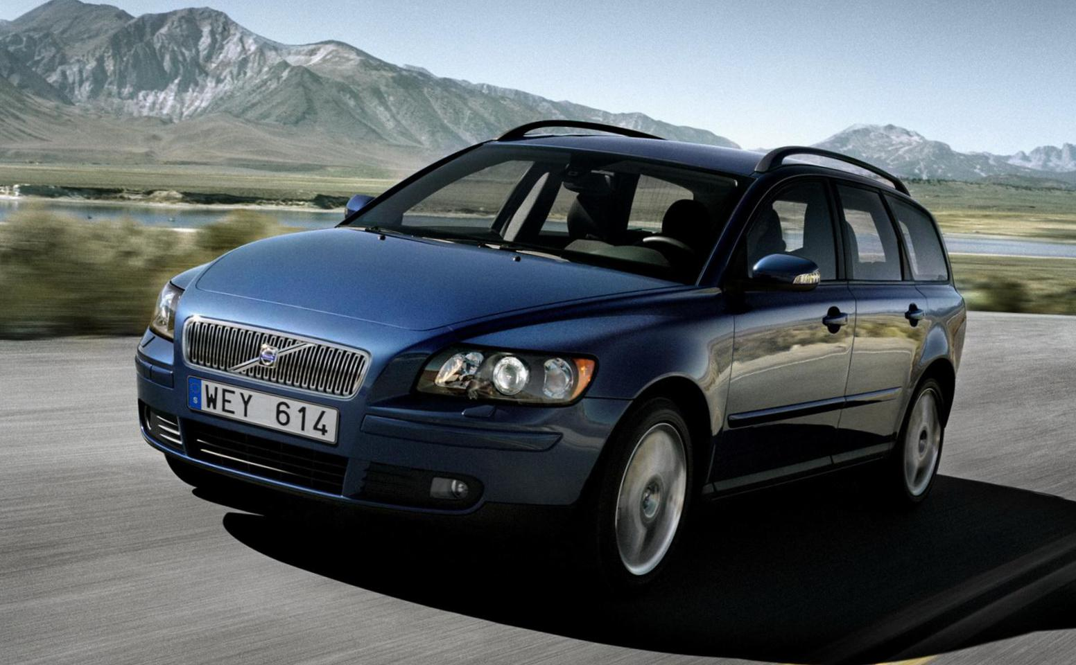 Volvo V50 lease hatchback