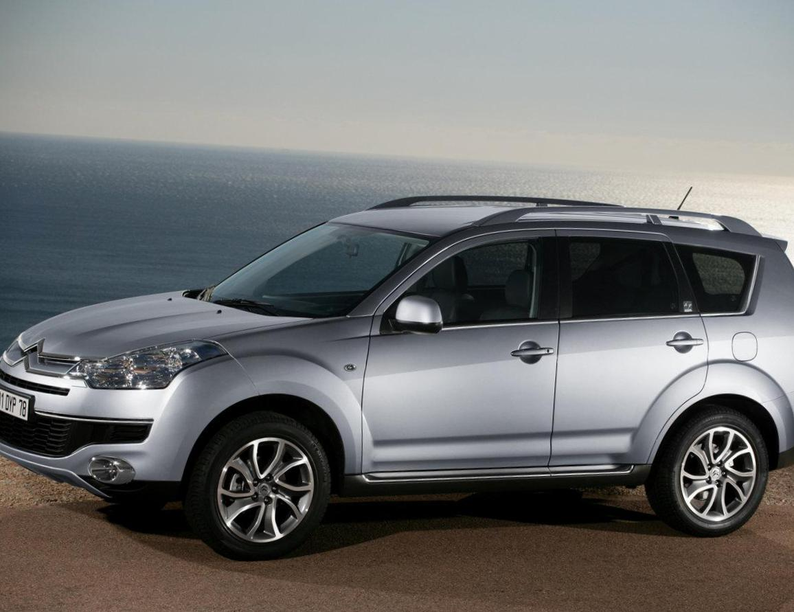 Citroen C-Crosser configuration 2015