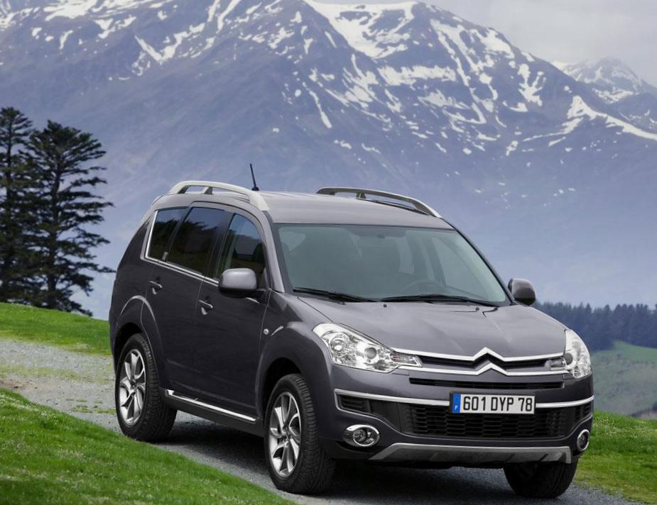 Citroen C-Crosser new minivan