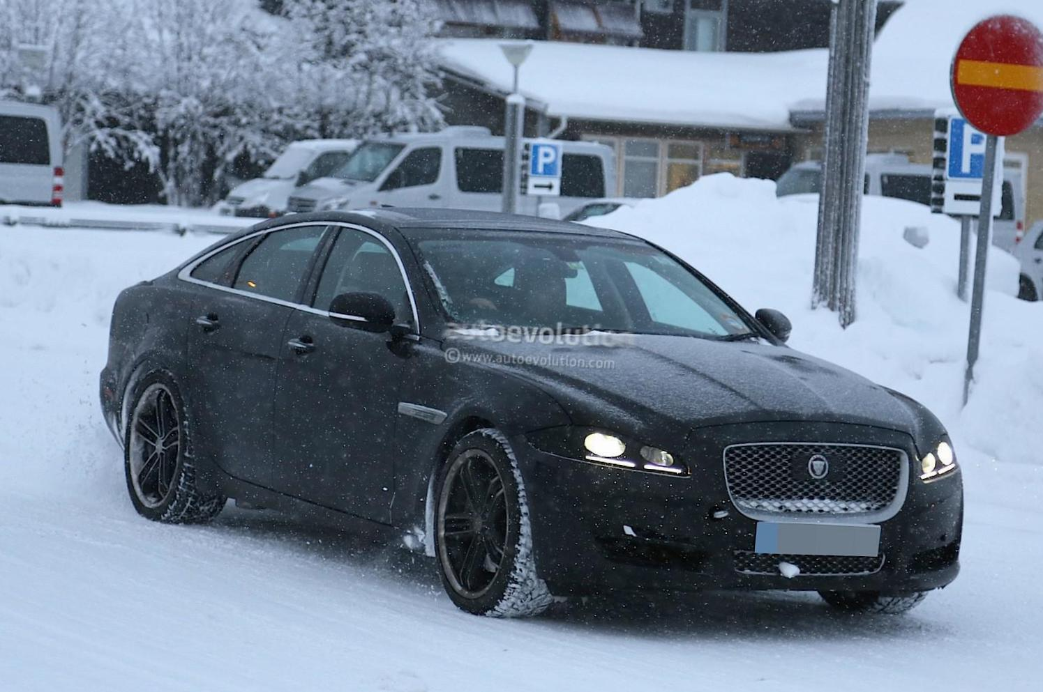 Jaguar XJ price 2012