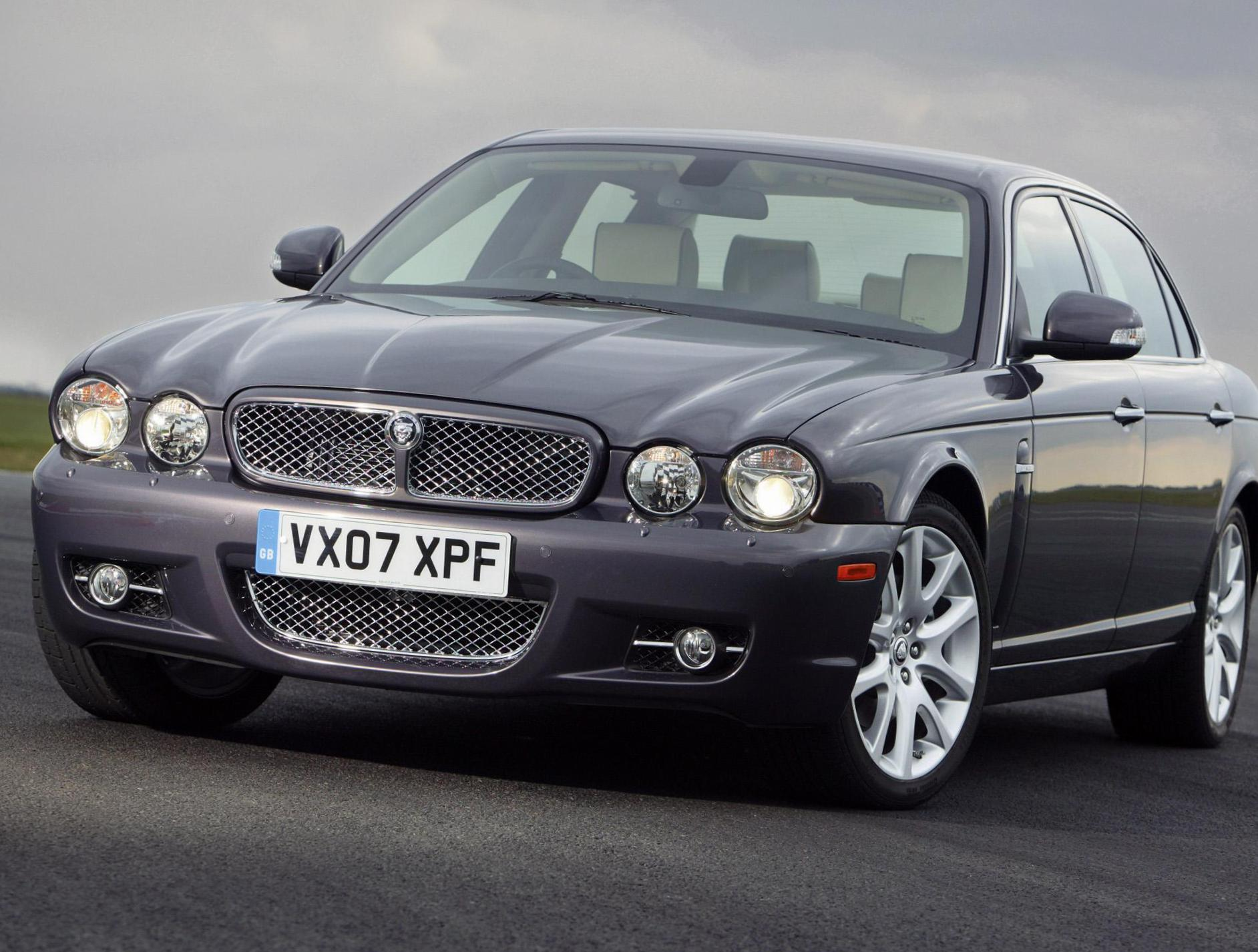Jaguar XJ lease sedan