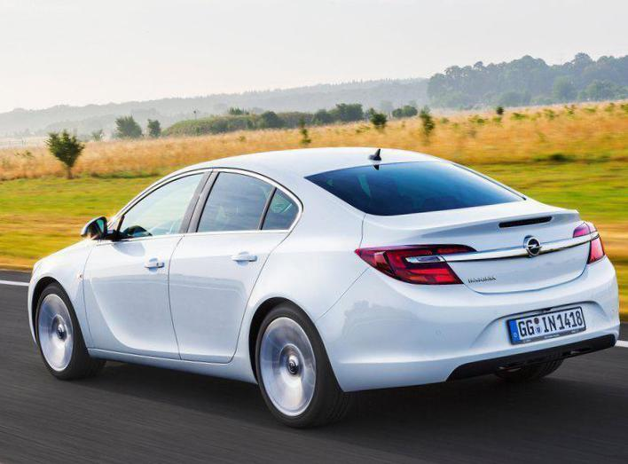 Opel Insignia Notchback reviews hatchback