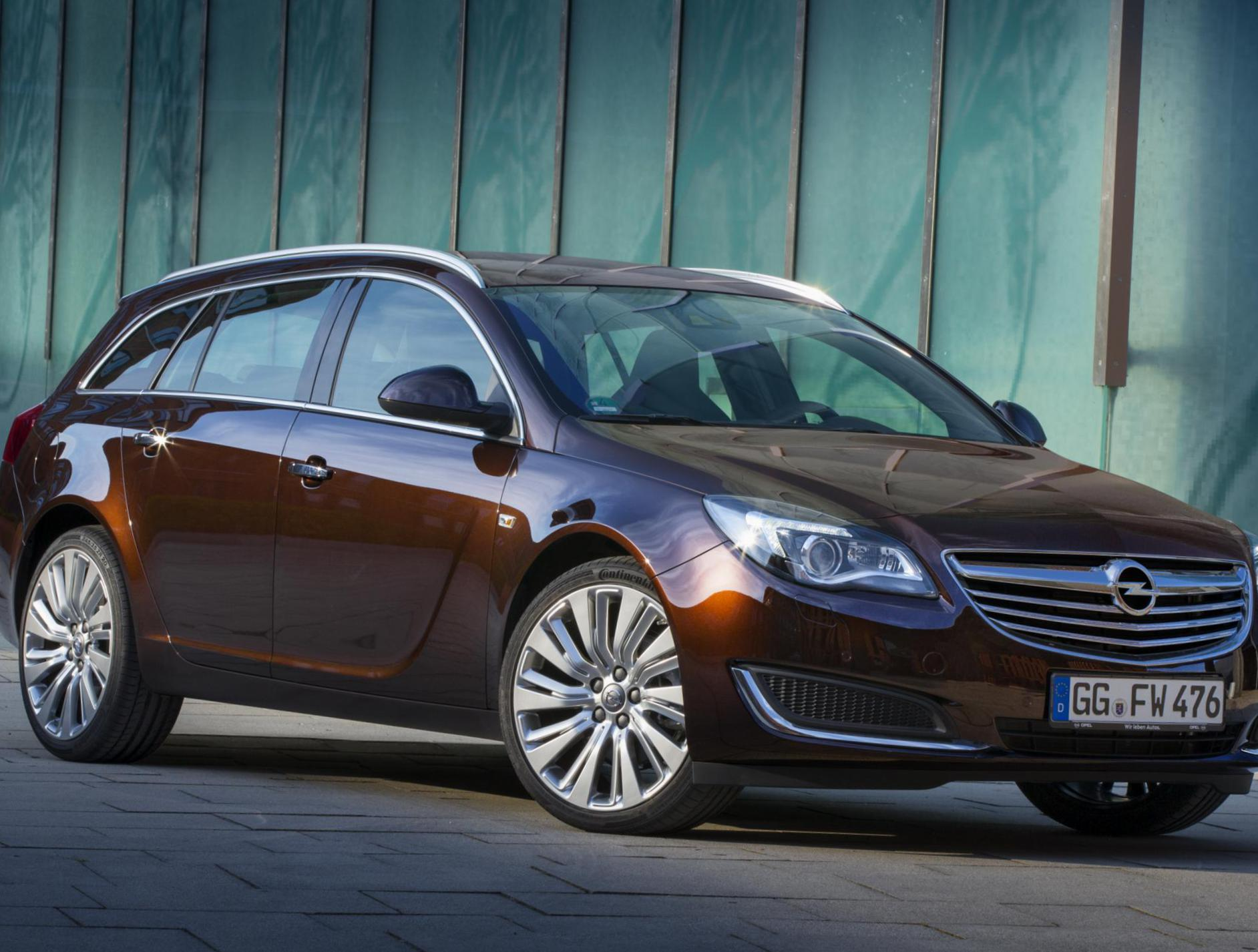 Opel Insignia Sports Tourer cost wagon