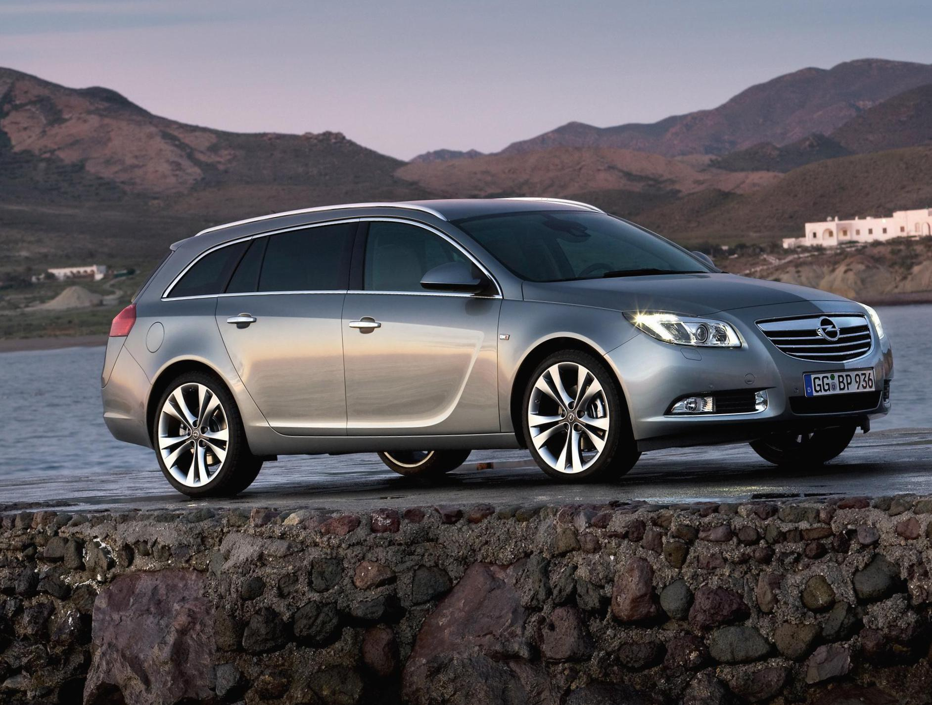Insignia Sports Tourer Opel cost 2013