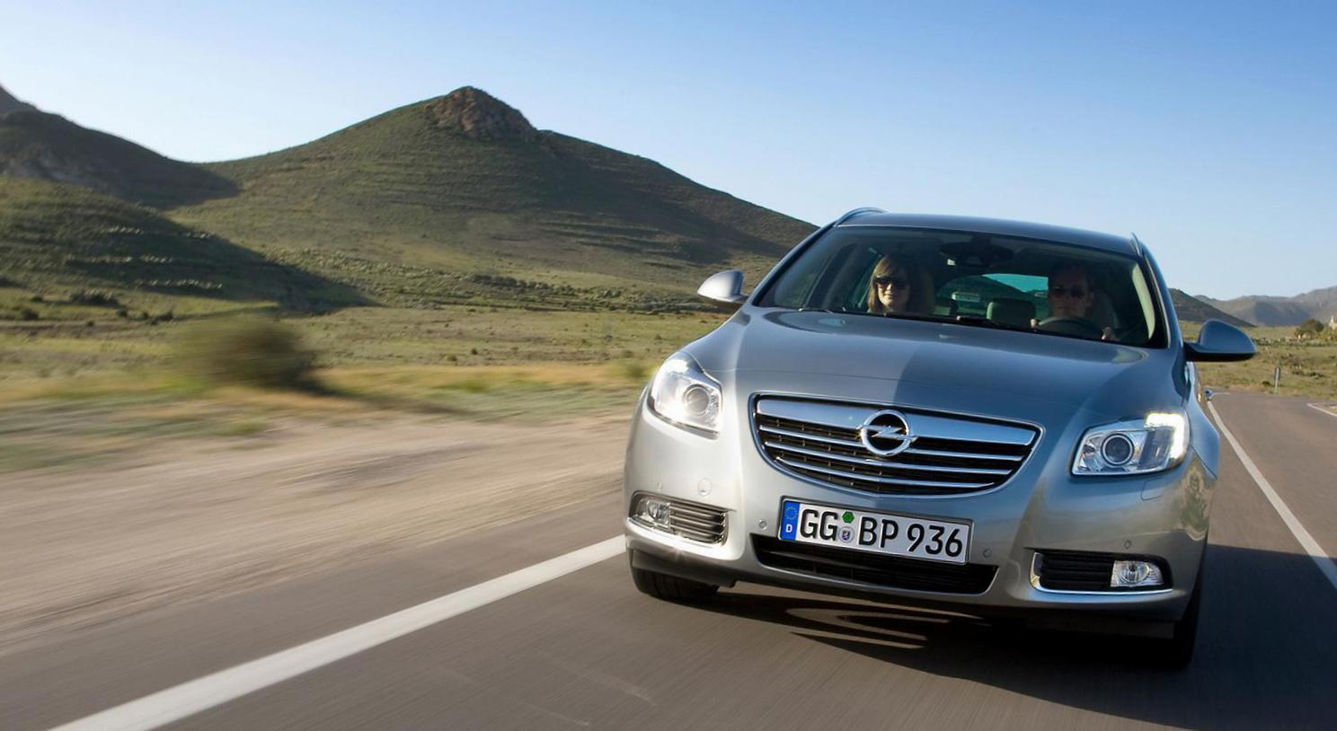 Opel Insignia Sports Tourer configuration 2013