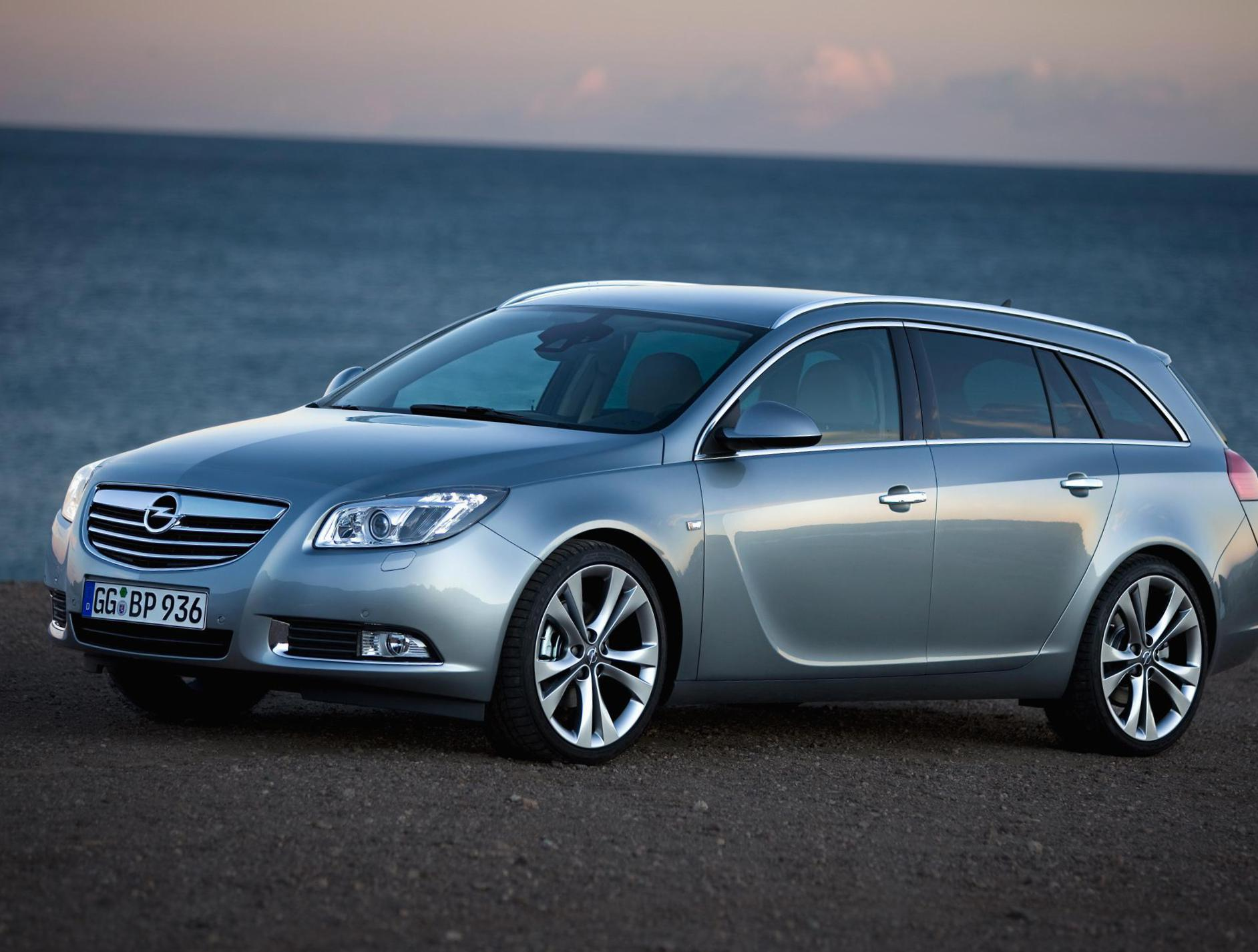 Opel Insignia Sports Tourer parts 2013