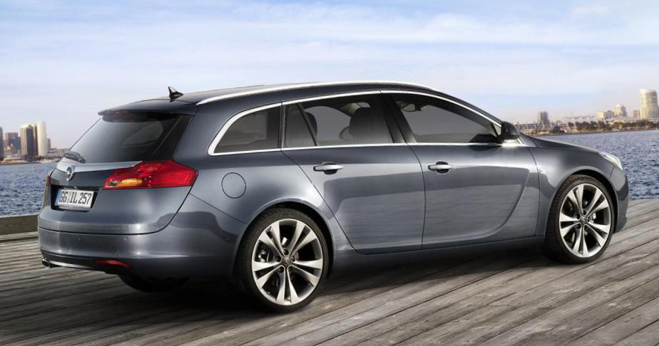 Opel Insignia Sports Tourer specs 2013