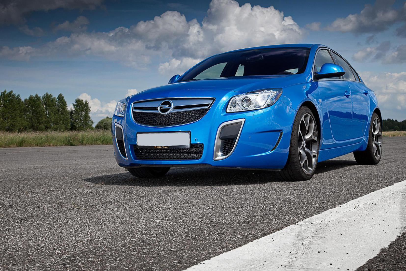 Opel Insignia OPC Hatchback reviews 2013