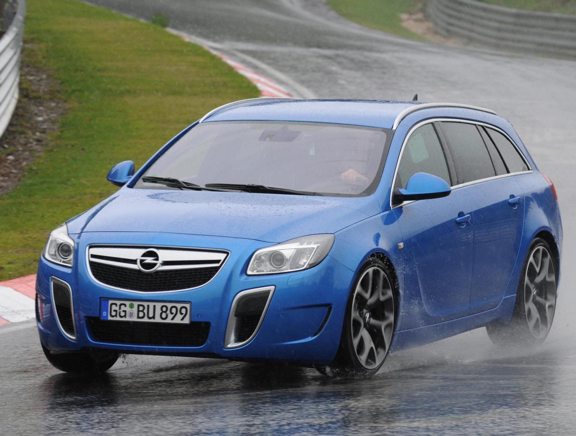 Opel Insignia OPC Sports Tourer approved liftback