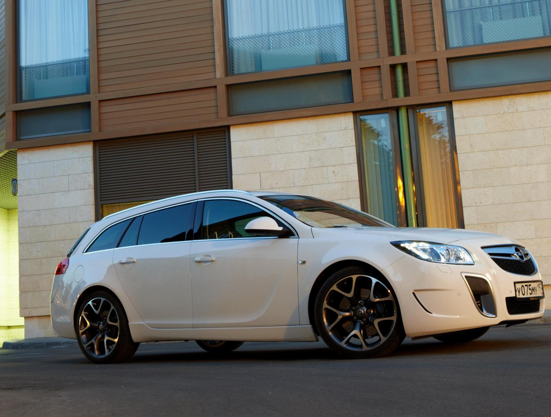 Opel Insignia OPC Sports Tourer price 2008