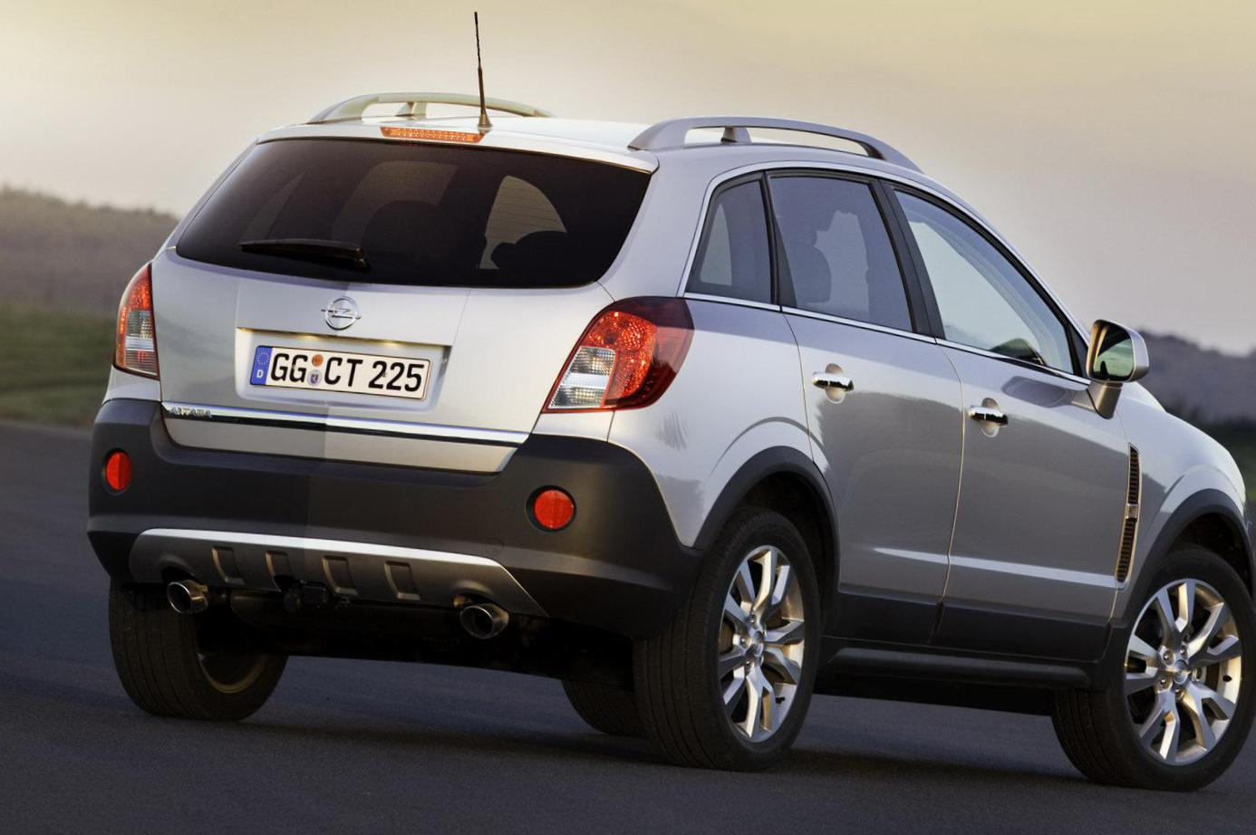 Opel Antara reviews liftback