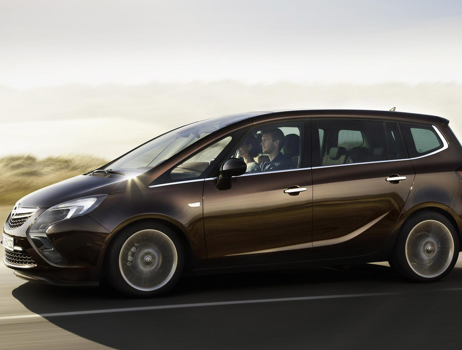 Opel Zafira Tourer Specification 2013