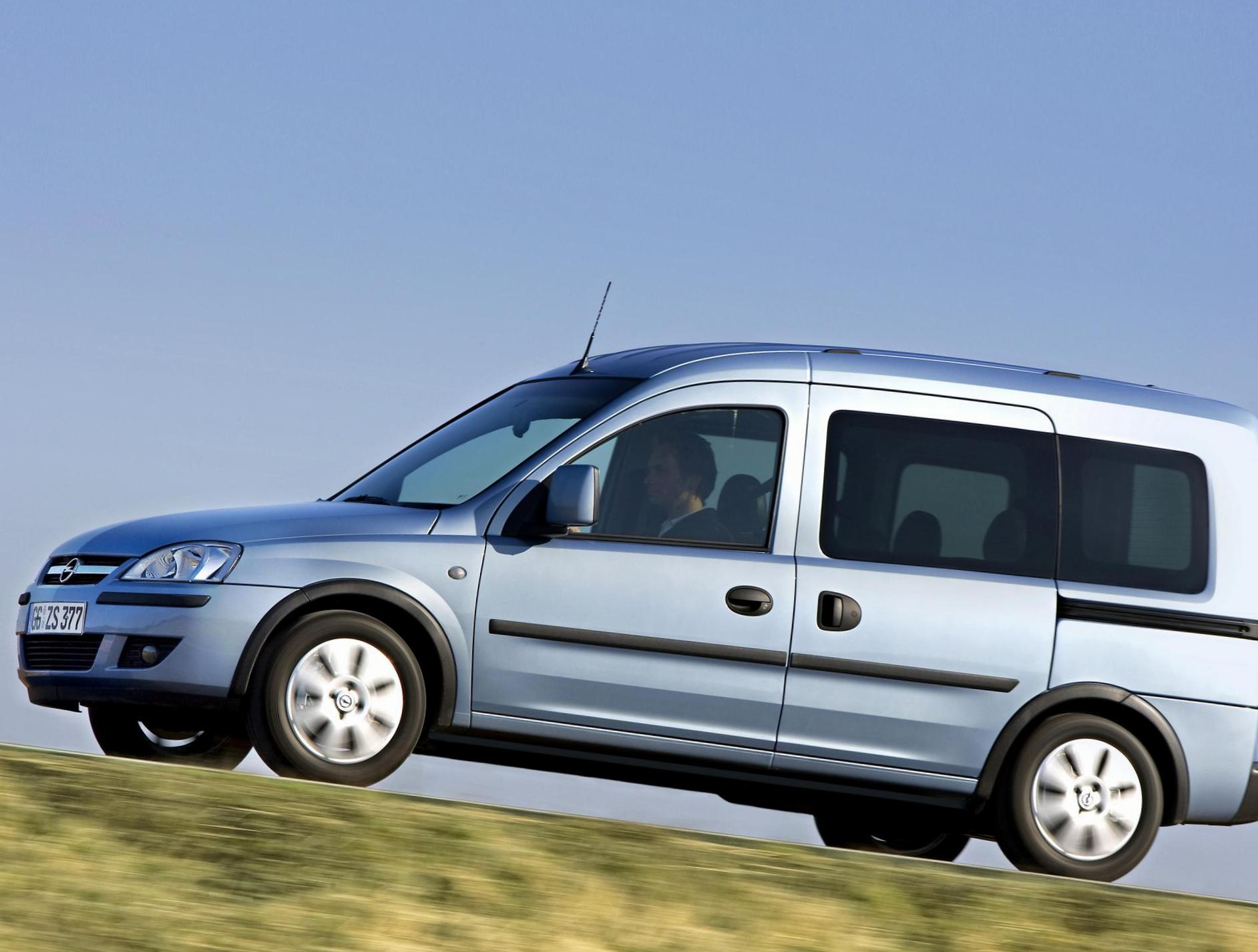 Opel Combo Tour cost wagon