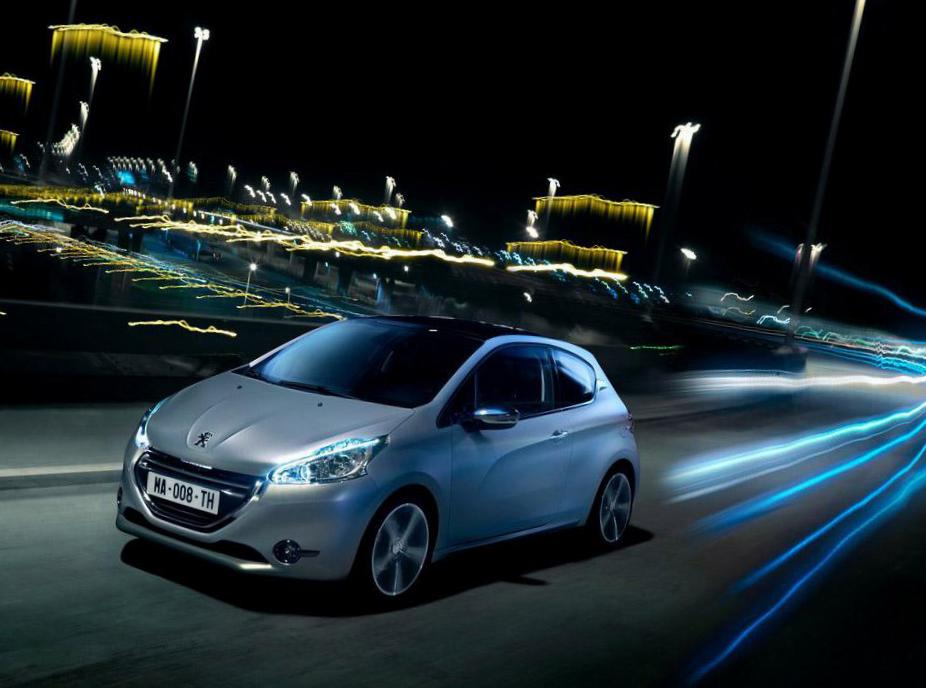 Peugeot 208 5 doors approved 2008