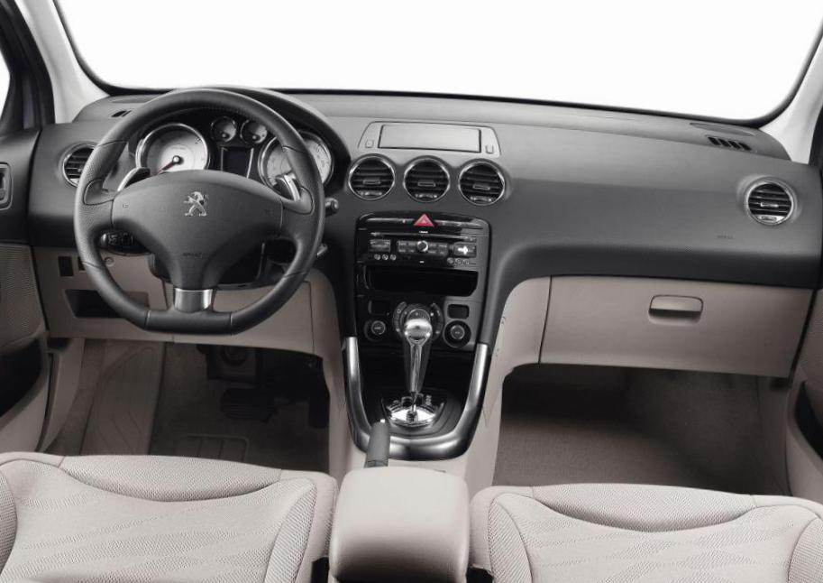 308 5 doors Peugeot approved hatchback