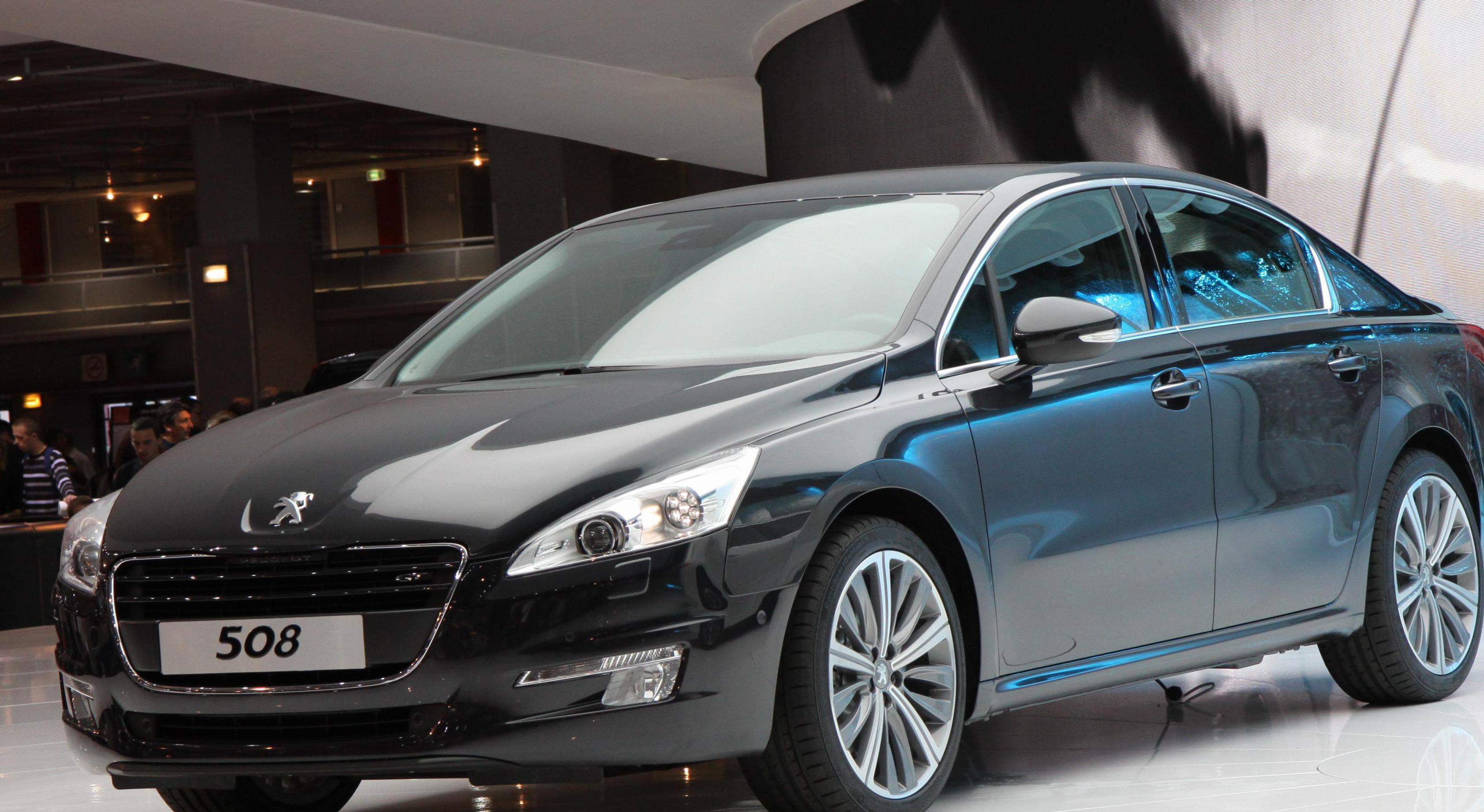 Peugeot 508 Photos and Specs  Photo: Peugeot 508 parts and