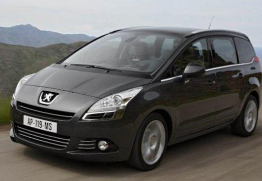 Peugeot 5008 reviews liftback